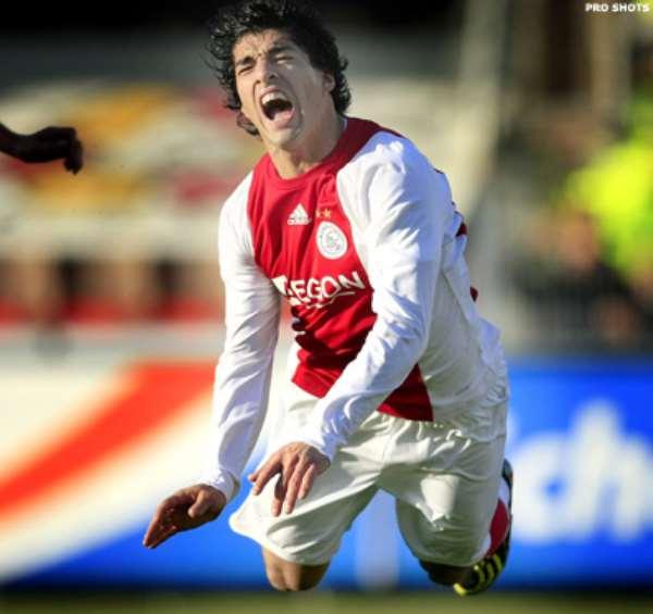 Dutch body wants 7-match ban on Suarez for biting
