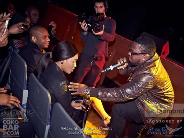 Awkward!! Girl Completely Ignores Timaya ( + PHOTOS: Basket Mouth, Bovi, Timaya & others at African Kings of Comedy)