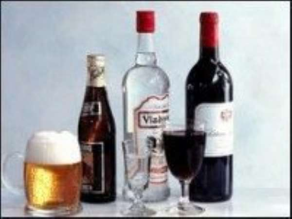 Alcohol 'protects men's hearts'