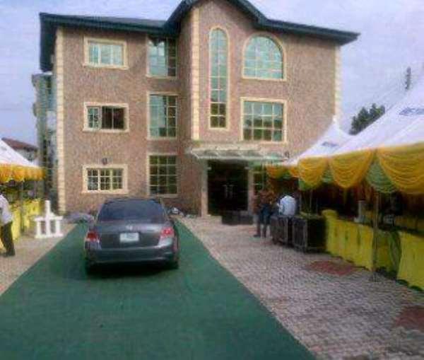 After Planned 200m Building Demolition, Undaunted Yinka Ayefele Opens Multi-Million Naira Hotel In Ibadan
