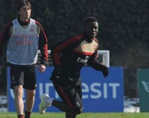 Sulley Muntari back for Milan in Champions League