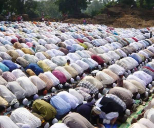Muslim youth told to repudiate violence