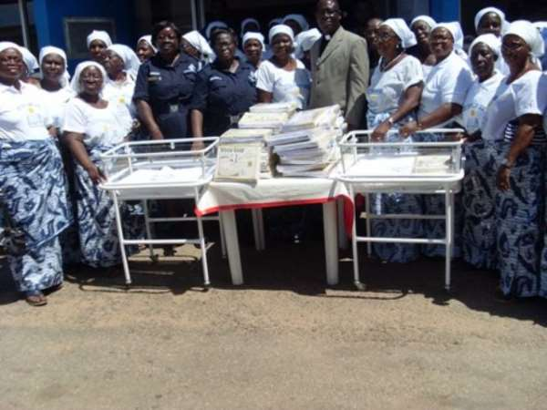 The Women Followship of Police Curch donated to police hospital