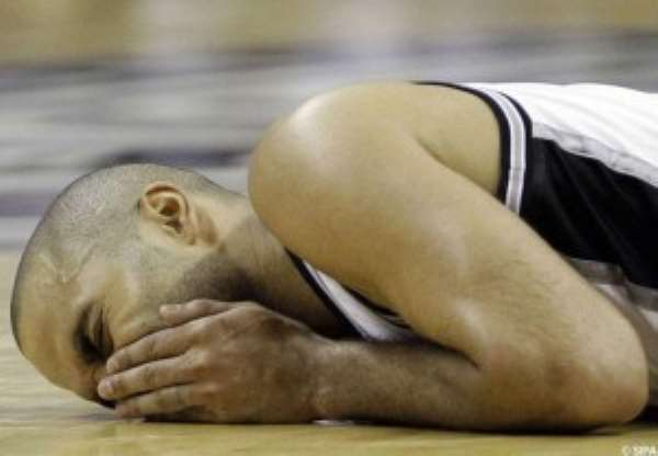 NBA : Tony Parker got injured ankle against Sacremento