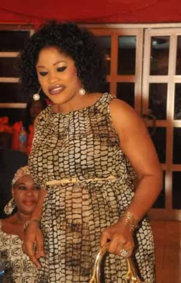 Picture: Yoruba Actress, Bisi Ibidapo-Obe Flaunts Pregnancy