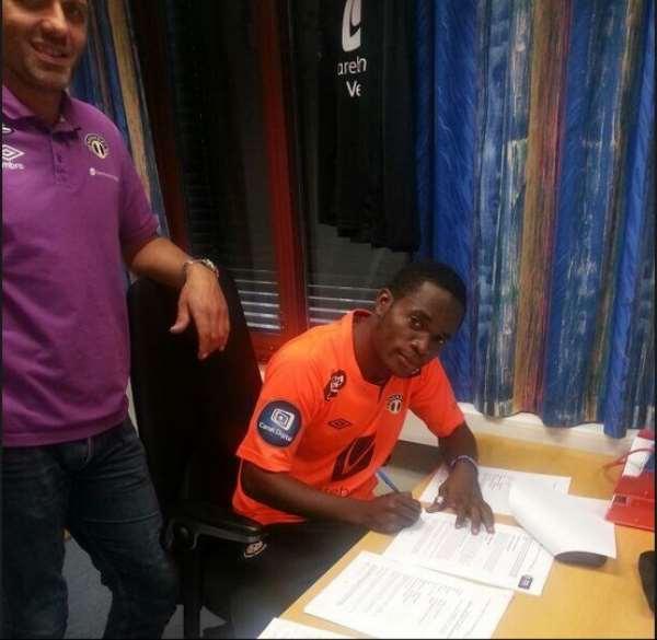 Mahatma Otoo signing for Norwegian side Songdal.