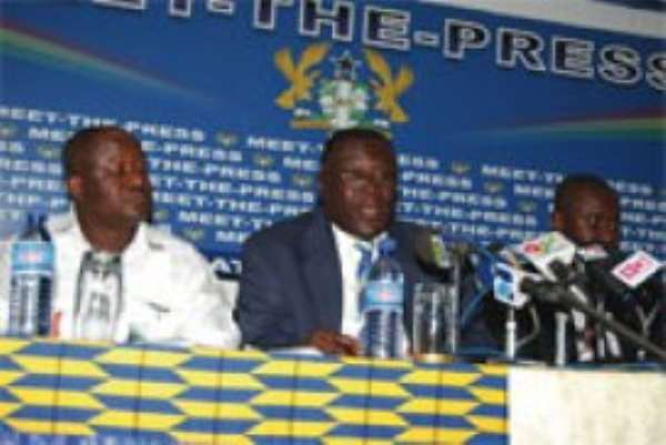 Mr Richard Kwame Asante (Middle), Chairman of the National Pension Regulatory Authority, addressing the press conference.