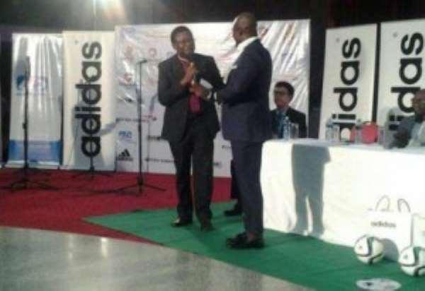 Ex-Ghana captain Stephen Appiah unveiled as Peace Ambassador ahead of November's crucial elections