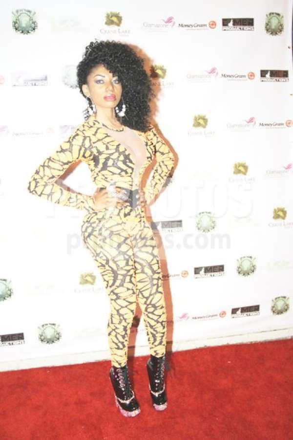 Exclusive! Starlet Dencia attacked at Nigerian Hip Hop World Awards (HEADIES)!