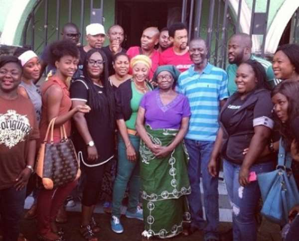 Emem Isong, Mbong Amata, Desmond Elliot, Other Pay Courtesy Call to Pres. Jonathan's Mother