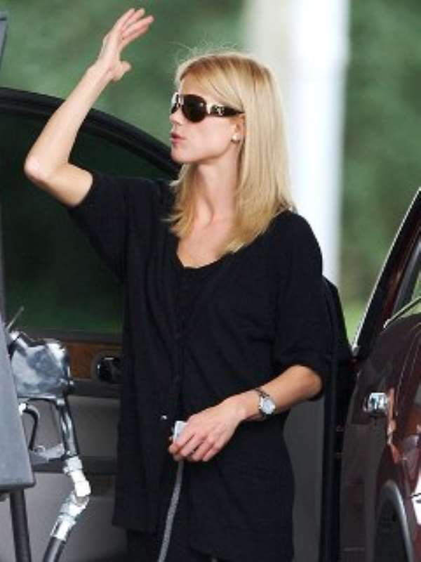Elin Nordegren plans to continue to adjust to her new situation