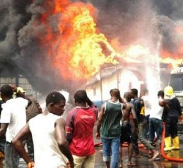 Fire destroys shops at Nkawkaw