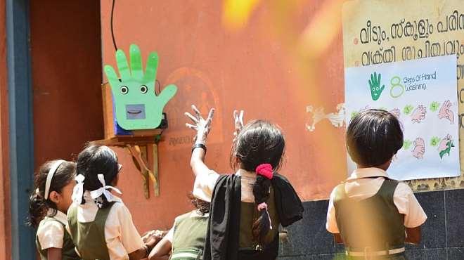1014201934200-k5frj7u2h0-handwashing-robot-