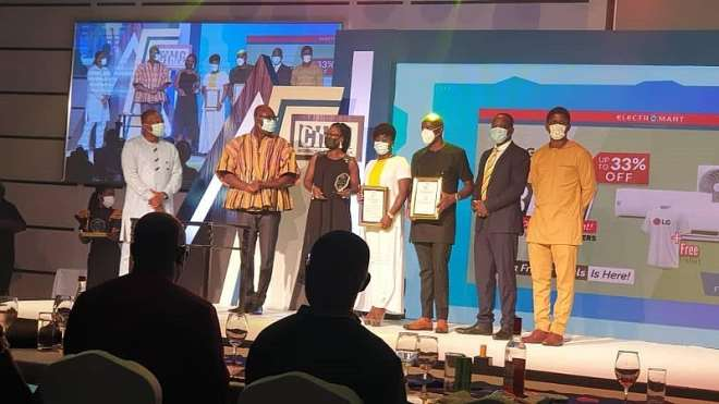 11192020100313-i41p266ffa-guido-sopiimeh-senior-manager-marketing-planning-and-analytics-leads-mtn-team-to--receive-cimg-telecom-company-of-the-year-award