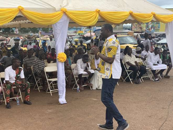 12122019124322-8cs1vjhuup-mtn-holds--community-forum-at-tamale-central--market