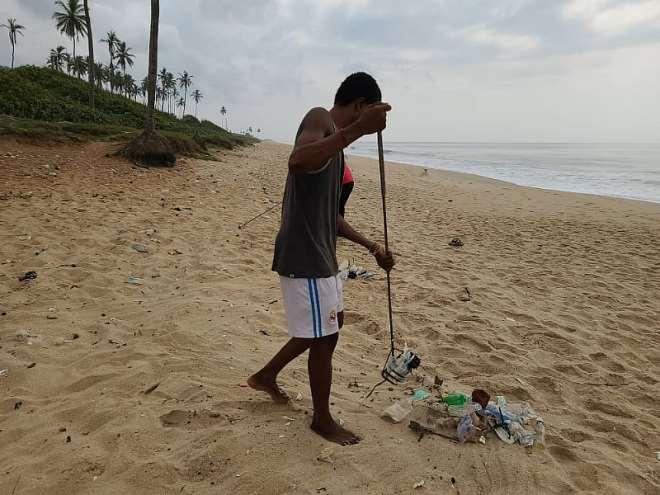 122021124915-txobredq5l-beach-cleaning.jpeg