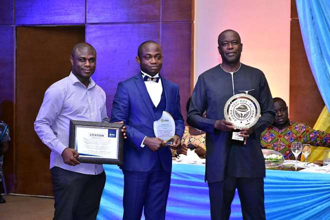 3262019122932 vaqduhgtsn from right mr samuel koranteng mr daniel oppongnyinah and mr francis timore boi of mtn ghana after they received the award