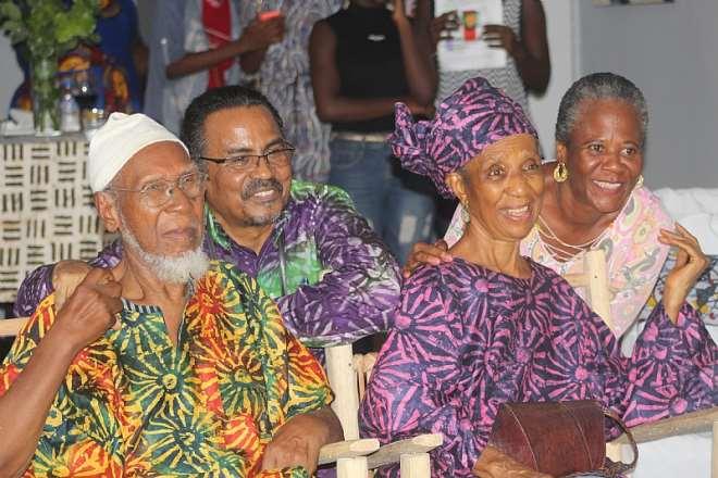 49201974932 wbreuigtto baba shabu with his wife mama shabu and family members