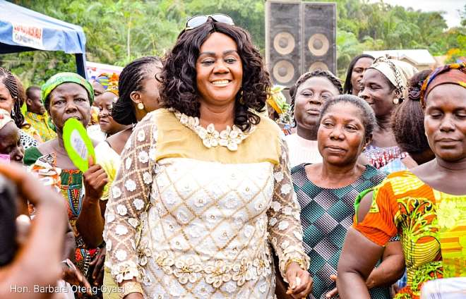 Tourism minister on the dancing floor with the Widows