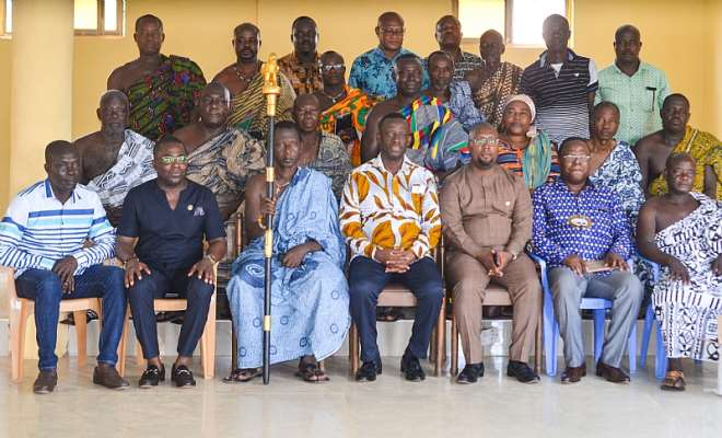 The minister and his delegation in a group picture with the chief and elders of Bogoso palace