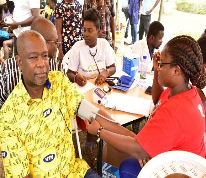 614202040635-vbrduhgtso-samuel-koranteng-corporate-services-executive-of-mtn-ghana--preparing-to-donate-blood-during-the-2020-edition-of--mtn-save--a-life-blood-donation-exercise