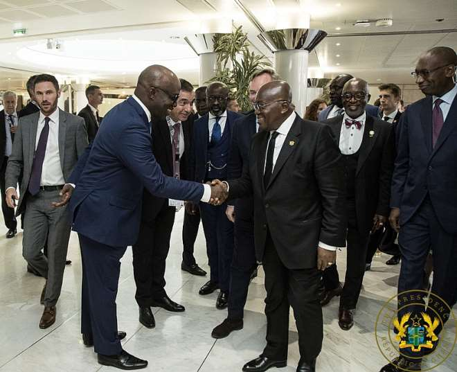710201924433 i41p266gfa president akufoaddo with the md of calbank mr frank adu