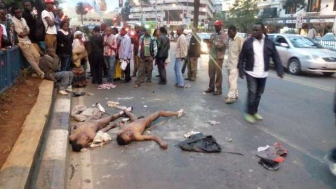 7. SUSPECTED ROBBERS STRIPPED NAKED AFTER BEING LYNCHED