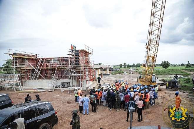 814201910512-0g830n4yyt-president-akufo-addo-inspecting-ongoing-works-on-the-kulungungu-bridge