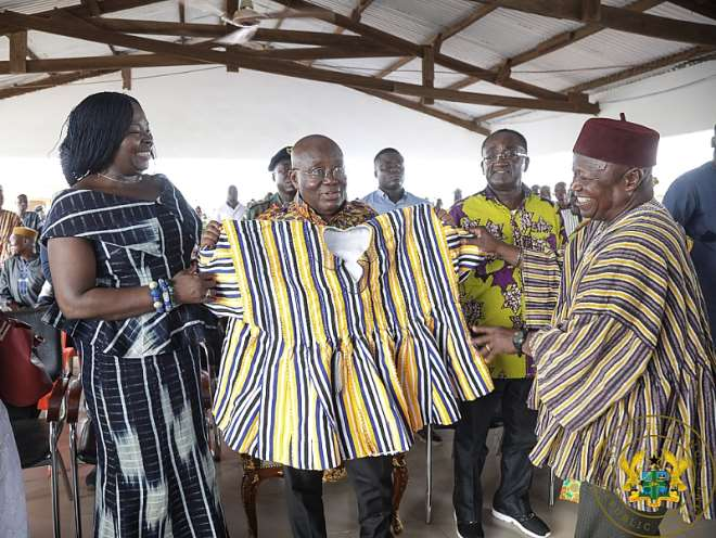 814201910533-rwnyqdcp53-president-akufo-addo-presented-with-a-smock-at-the-bawku-nabas-palace