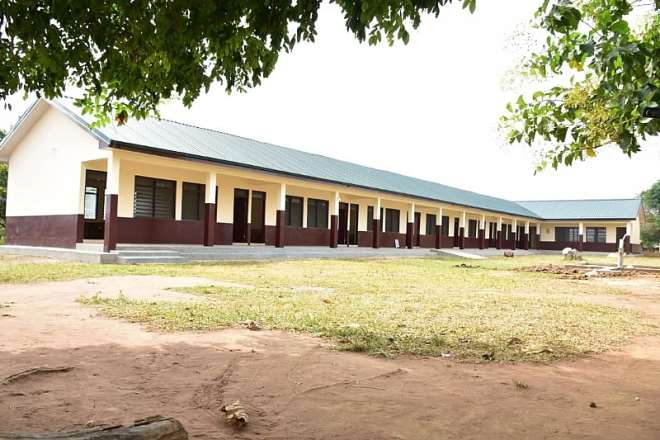 825202013436-h40o2s6eey-the-newly-constructed-6-unit-cassroom-block-for-nhyiaeso-basic-school