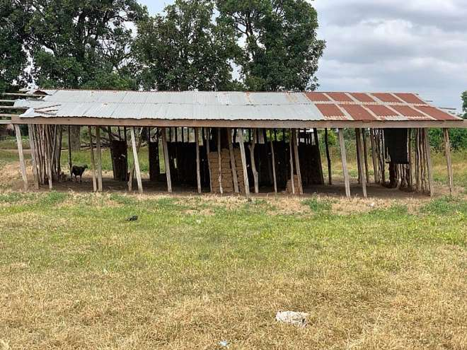 825202013436-n6iul8w331-old-classroom-structue-for-nhyiaeso-basic-school