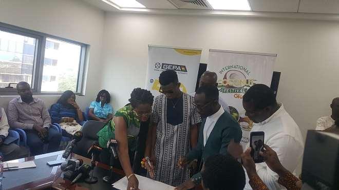 Okyeame Kwame and Kofi Kinaata sign deal