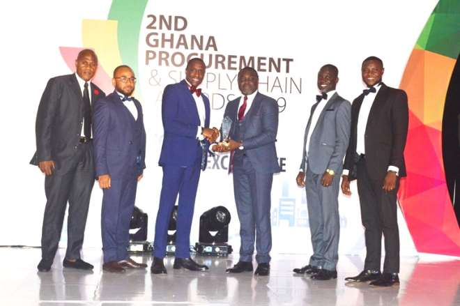 9252019102826-typbsferqm-patrick-afari-general-manager-supply-chain-managment-leads-the-team-to-receive-award-in-most-innovative-use-of-technology-in-procurement