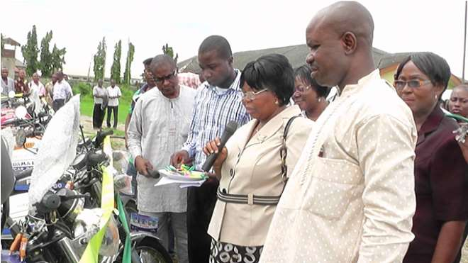 AGRIC 19 - PRESENTATION OF MOTOR CYCLES TO FADAMA FACILITATORS(FIELD OFFICERS)