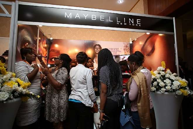MAYBELLINE BOOTH