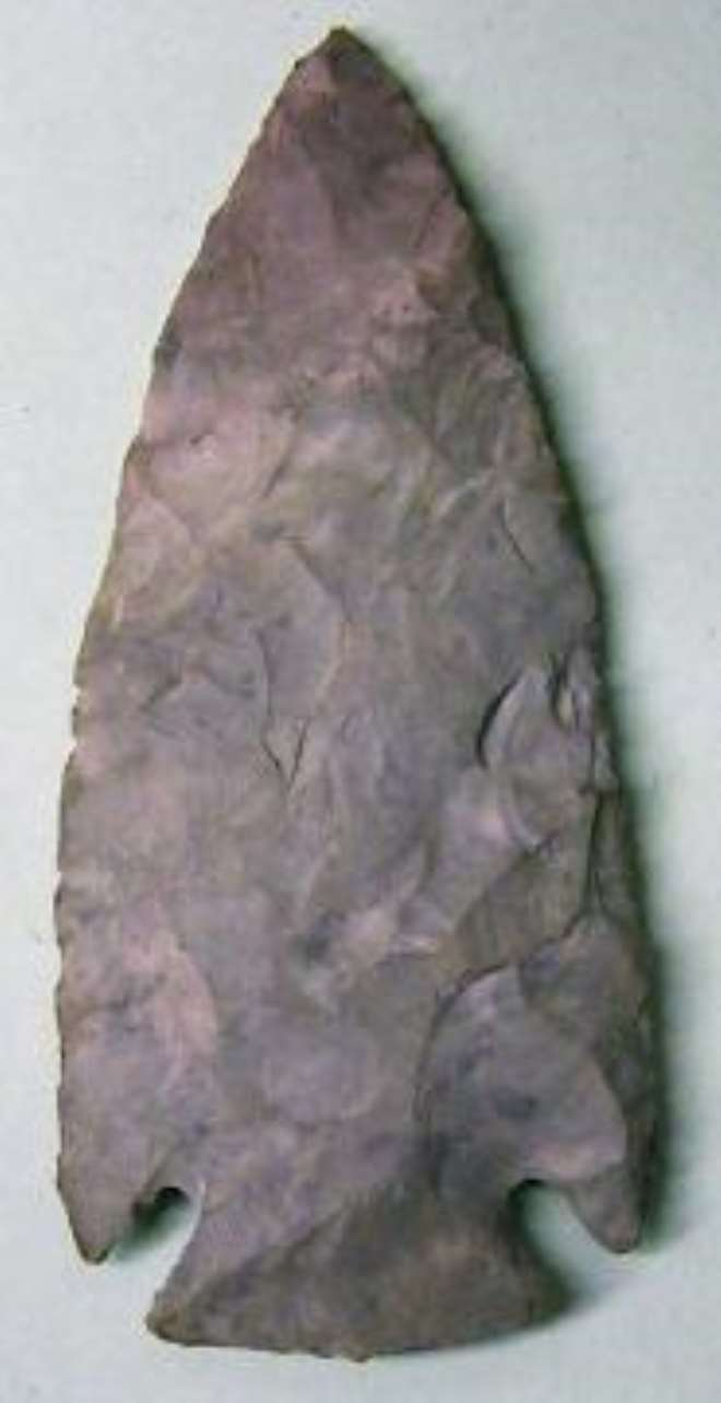 Spearhead from flint stone included in the returned objects from Britain.