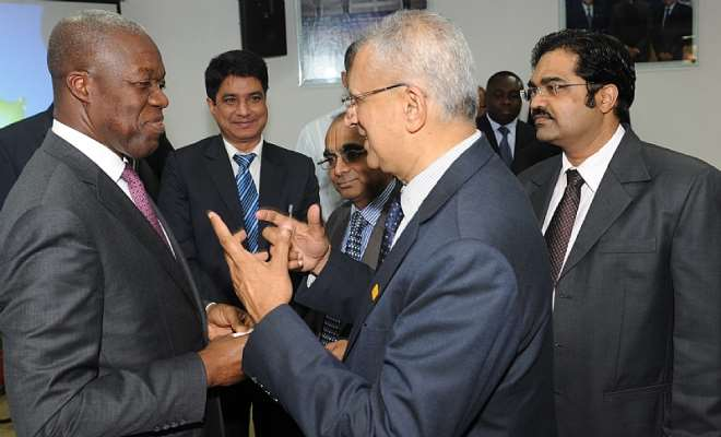 VEEP INTERACTIND WITH SOME CAPTAINS ON INDIAN INDUSTRY (4)