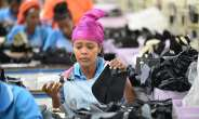 A worker at the Chinese-built Bole Lemi Industrial Park in Addis Ababa, capital of Ethiopia, April 6, 2017. (Xinhua/Michael Tewelde)