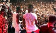 Shatta Wale and Stonebwoy (left) together on stage at the 2019 Ashaiman to the World concert
