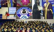 Mr. Ajay Shriram, speaks to pass outs at FORE School Convocation.