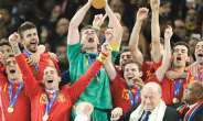 Octopus Fires Spain To Glory