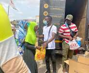 Comedian Waris joins forces with Twellium Industries to feed the street