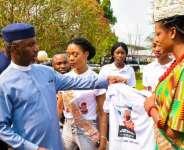 Isabella Okafor Ada Imo 2019 Donates Campaign T-shirt To Uche Nwosu