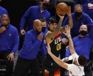 Jordan Clarkson made eight of his 13 three-point attempts as the Utah Jazz took their winning streak to eight