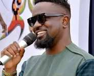 'You're successful when you wish others well' - Sarkodie advises Ghanaian youth