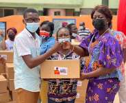 200 SHS students receive support from Sheila Bartels
