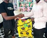 Ghana U-20 Star, Sadat Ayara makes grand gesture to Sports Journalist in Oti Region.
