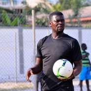 GHPL: Medeama SC Coach Collapses During Ashgold Encounter