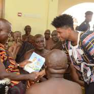 """Otumfuo Endorses Rahim Banda's 'Back To School From The Streets"""" Project"""