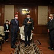 The head of Libya's UN-recognised government Fayez al-Sarraj (C-R) receives Turkish Defence Minister Hulusi Akar (C-L), in the Libyan capital Tripoli on July 3, 2020.  By - (AFP)